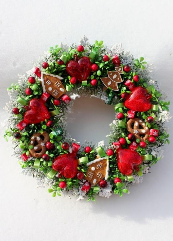 Wianek świąteczny z piernikami i sercami-ozdoby świąteczne, dekoracje na Boże Narodzenie