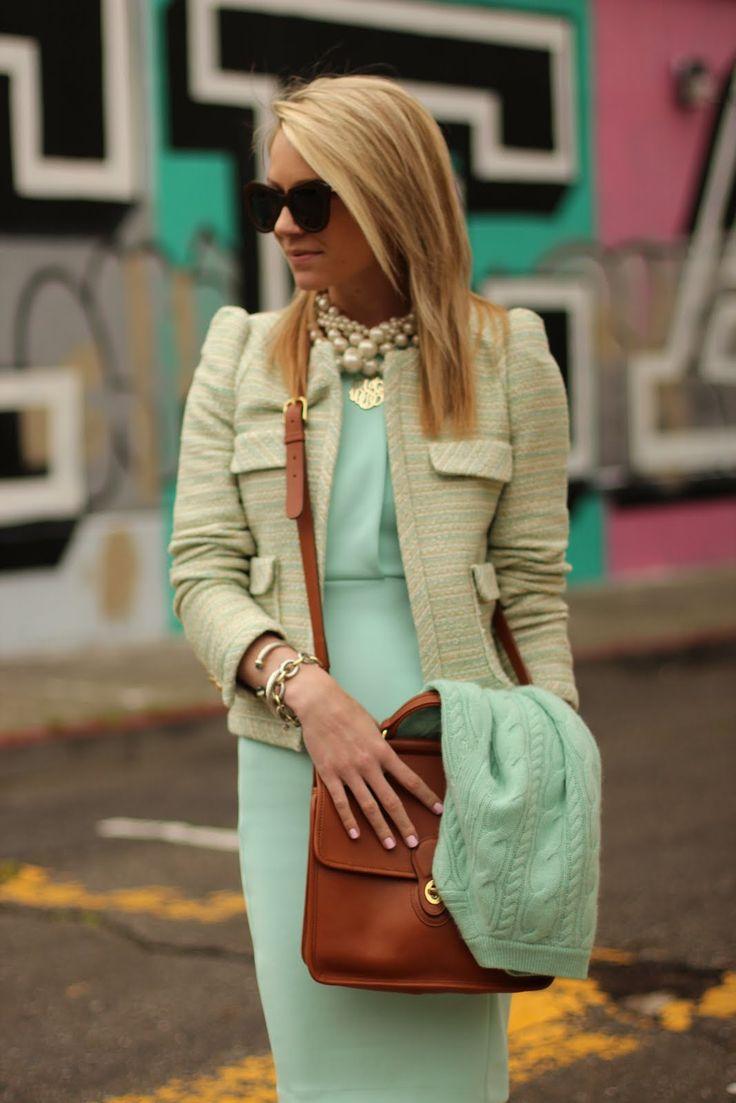 Look a like : CAbi spring -Society sweater, new pencil skirt (Jordan almond) ,flip it tee(Jordan almond)