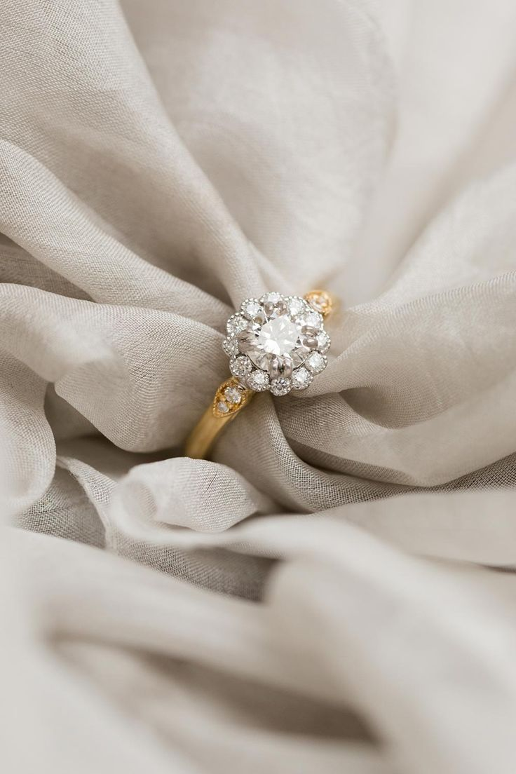 reasons why you should consider a vintage engagement ring