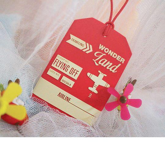 Бирка для багажа The Journey To The Wonderland  / Красный