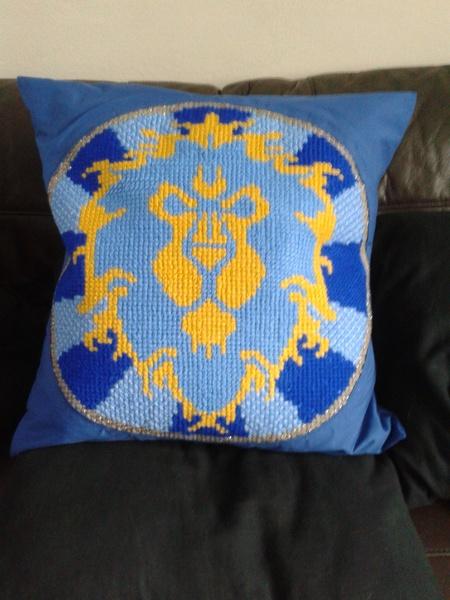 World of Warcraft Alliance Cushion - Craftfoxes