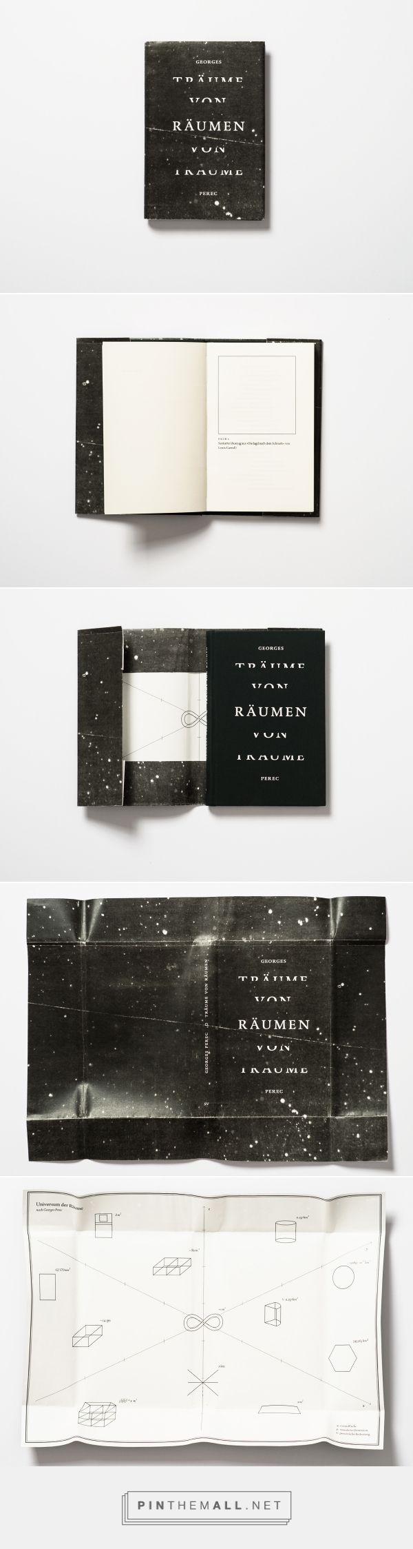 L'ouvrage Espèces d'espaces de George Perec, réinterpreté par la graphiste d'Hambourg, Katrin Grimm. La couverture est noire, et ce qui intéressant ici, ce sont les deux visions de l'espace qui y sont représentées. Au recto, l'espace au sens intergalactique, au verso, l'espace au sens géométrique. - created on 2014-12-12 20:24:21
