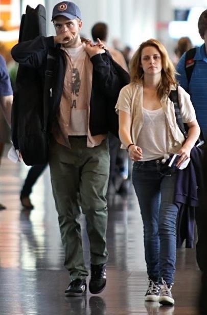 Robsten Travel❤. Twilight Movie SeriesTwilight SagaTaylor LautnerRobert  PattinsonKristen StewartVampiresCouple ...