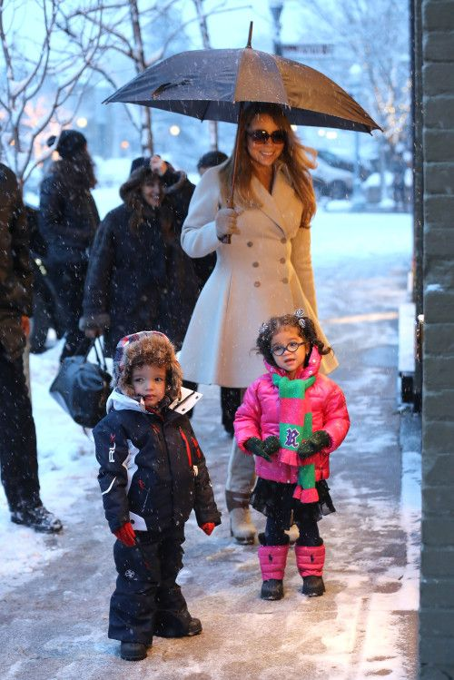Mariah Carey and the Twins visit Joan Boyce Jewelry in Aspen