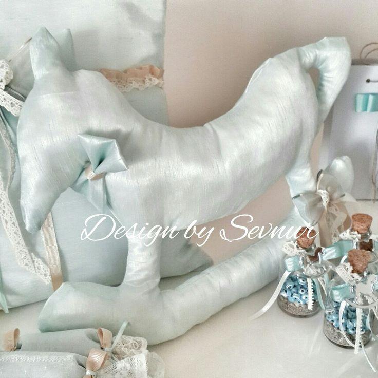 Facebook/instagram:designbysevnur Sallanan at konseptine uygun takı yastığı...