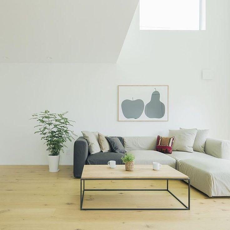 無印良品の家 青森店「窓の家」モデルハウス。 #無印良品 #無印良品の家 #戸建て #注文住宅 #吹抜け #マイホーム #窓の家 #リビング #ローテーブル #ソファ #暮らし #シンプルライフ #ミニマリスト #インテリア #muji #mujihouse #room #house #home #homedecor #casa #interior #interiordesign #design #simple #minimalist #living #sofa #japan