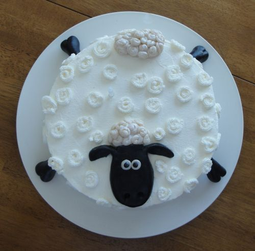 Shaun the Sheep decorated cake topper