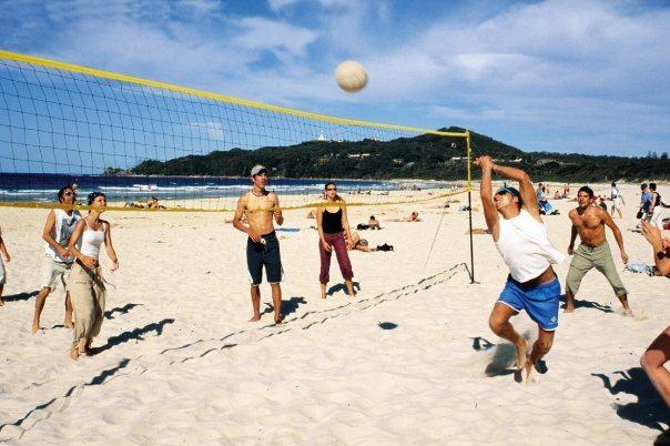 Beach Volleyball on the BBQ day - www.ozintro.com