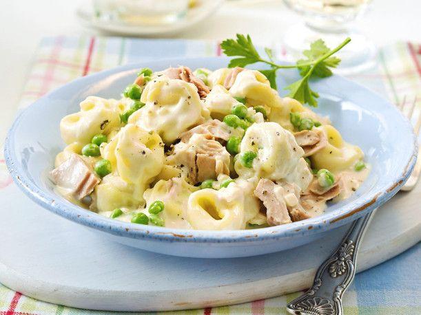 Unser beliebtes Rezept für 20-Minuten-Tortelloni mit Erbsen und Thunfisch und mehr als 55.000 weitere kostenlose Rezepte auf LECKER.de.