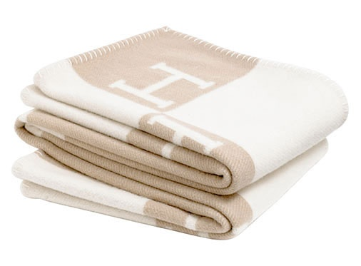"""Nothing says """"home"""" like warm, soft blankets. Perfect for draping them over sofas, chairs and ottomans. I love the color tone. Blanket from #Hermés"""