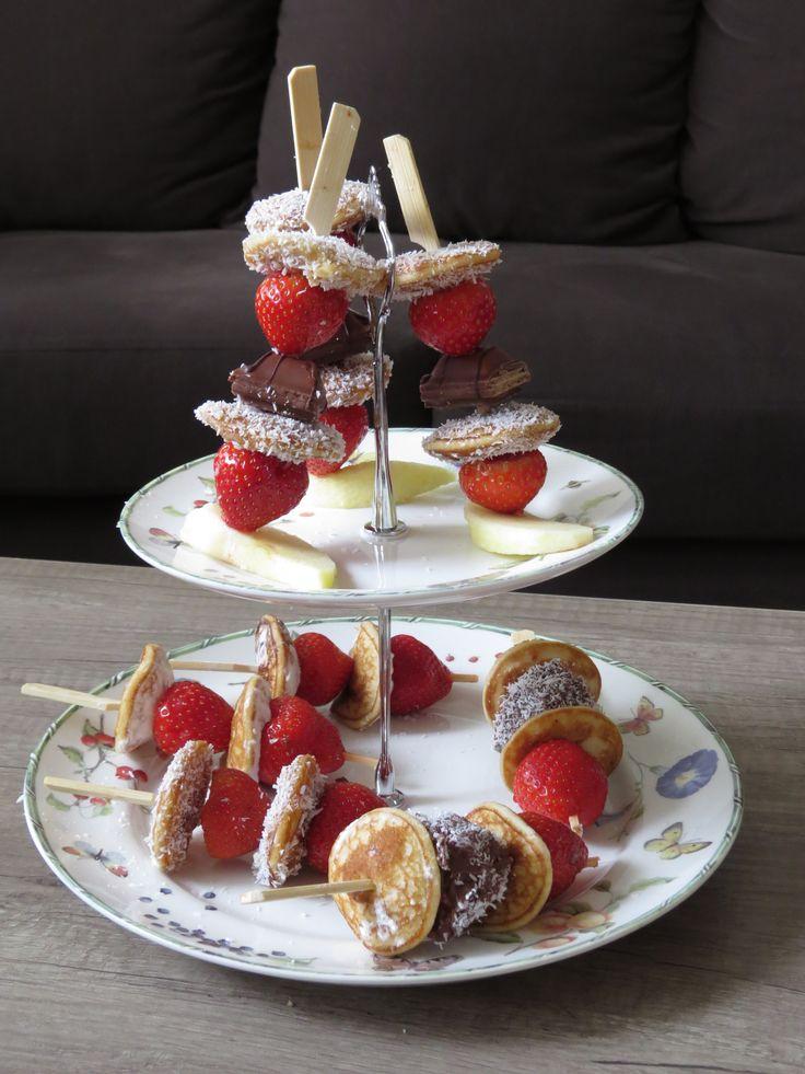 DIY: Poffertjes spiesjes met aardbeien | Madianne