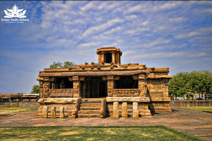 The Lad Khan Temple, dedicated to Shiva, is one of the oldest Hindu temples and is located in Aihole in the state of Karnataka, India. It was built in the 5th century by the kings of the Chalukya dynasty. #ladkhantemple #ladkhan #indian #vedic #school #indianvedicschool