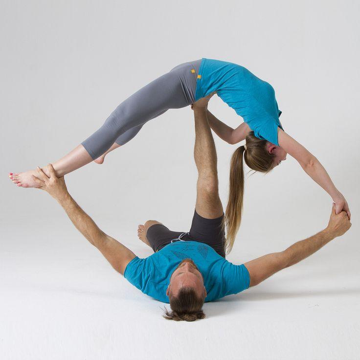 """Дорогие возлюбленные, занимайтесь парной йогой! Она способствует улучшению отношений, укреплению доверия, позволяет гармонизировать энергетический баланс в паре, а также укрепить всё, что укрепляет обычная йога.😉  А бирюзовые футболки """"Wild&Free"""" добавят добавят визуальной гармонии вашему совместному образу.  Женская модель:http://www.yogadress.ru/product/futbolka-zhenskaya-wild-free  Мужская модель:http://www.yogadress.ru/product/futbolka-muzhskaya-wild-free  Цена - 1650 рублей  Вы…"""
