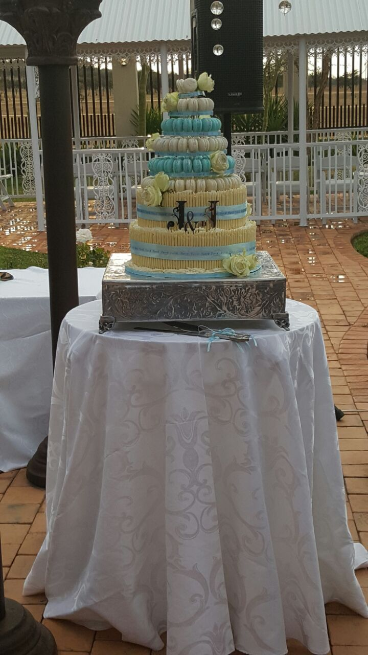 Macaroon topping for a wedding cake