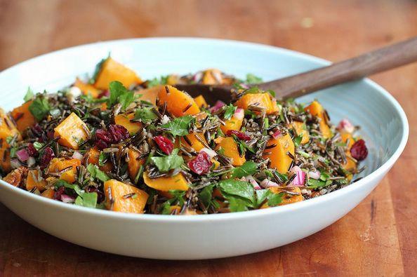 Теплый салат с диким рисом и тыквой