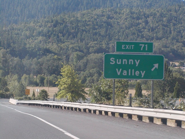 Sunny Valley, OR exit on I-5!: Photo