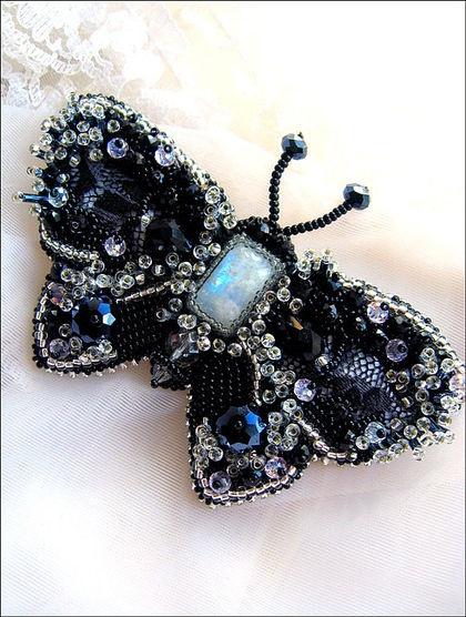 """Броши ручной работы. Ярмарка Мастеров - ручная работа Брошь """"Ночная бабочка"""". Handmade."""