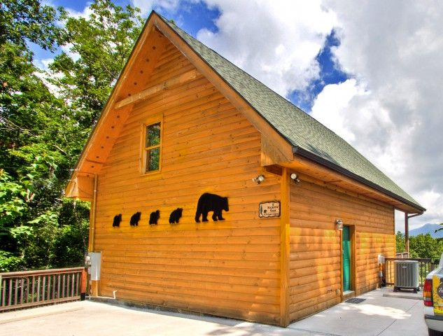 98 Best 1 Bedroom Cabins Images On Pinterest Pigeon Forge Gatlinburg Cabin Rentals And Jacuzzi