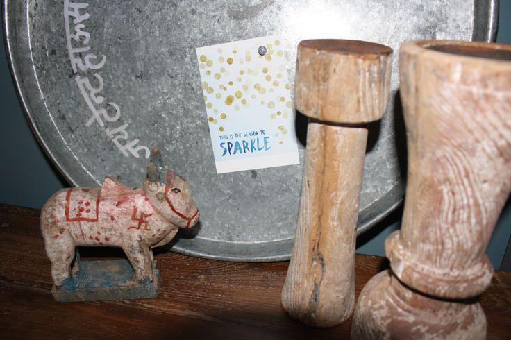 Deze metalen XL dienbladen worden in India gebruikt bij bruiloften. Ook leuk als magneetbord. www.woonstinsshop.nl