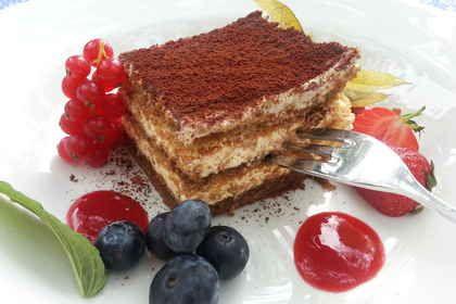 Wattekuchen, ein raffiniertes Rezept aus der Kategorie Kuchen. Bewertungen: 97. Durchschnitt: Ø 4,3.