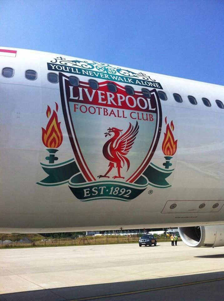 Pesawat yang digunakan Tim Liverpool menuju Indonesia
