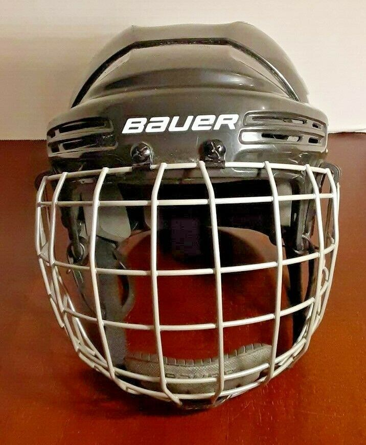 2013 Bauer Jr Hockey Helmet With Bauer Face Mask Bauer In 2020 Hockey Helmet Helmet Hockey