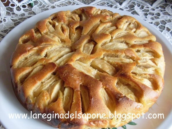 La Regina del Sapone: torta di mele con pasta acida