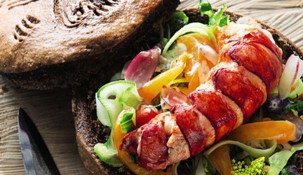 Un hamburger, certes, mais pas n'importe lequel: du homard, du pain de seigle et un accompagnement à décoiffer une bigouden!