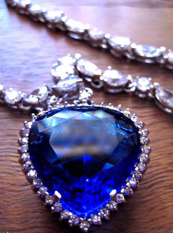 TITANIC J. PETERMAN 20th Cent. Fox Heart Of The Ocean Necklace IN BOX |  Ocean necklace, Diamond cross pendants, Heart jewelry