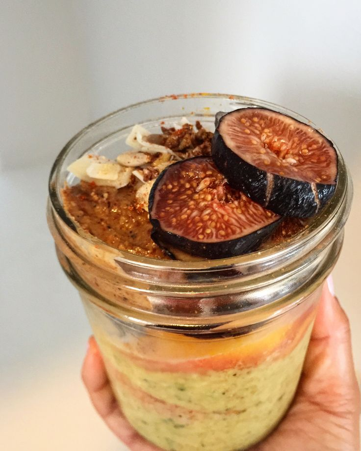Fall = Pumpkin Spice MeeNut Butter smoothies & more figs!   Pumpkin Spice MeeNut Butter Zucchini Smoothie:  3/4 cup yellow watermelon 1/2 cup raw frozen zucchini chunks 2 big chunks frozen banana 1 tbsp Pumpkin Spice Power #meenutbutter  1 scoop @vitalproteins marine collagen Topped w peaches, frozen bluebs, figs, 1 tbsp Espresso Nut Power MeeNut, @dangfoods coconut, @larkellenfarm grainfree sprouted granola & the usual cayenne, cinnamon, ginger, turmeric! All fruit was from Ventura Farmers…