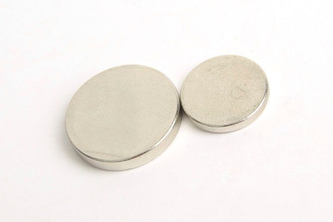 Magnet for leather craft,The Circle magnet.   (Very strong Circle magnet)  -LTPMLT-827 by VACHETA on Etsy #leather #leathercraft #magnet #magnets
