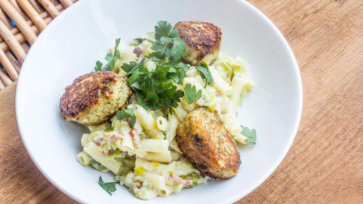 Visballetjes van kabeljauw met pasta en witte saus | DekeukenvanSofie