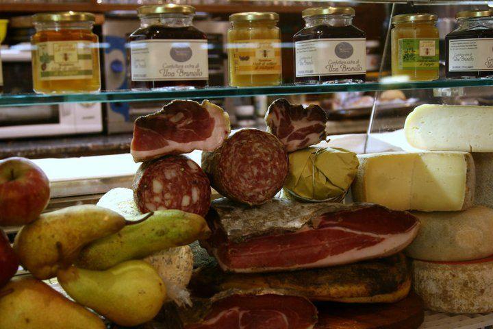 salumi,formaggi e miele Toscano