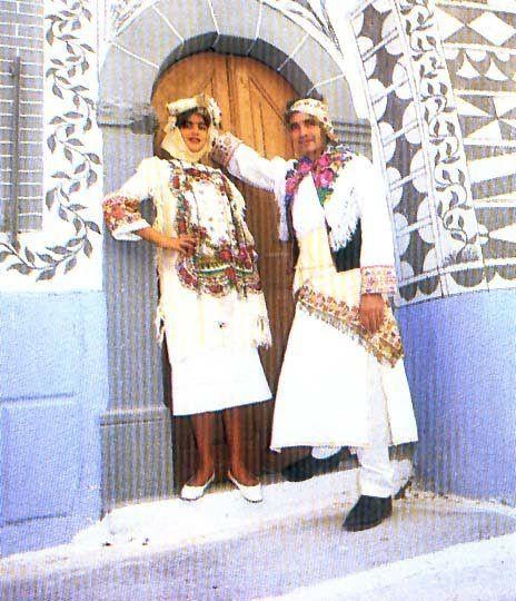 Οι παραδοσιακές στολές του Πυργιου