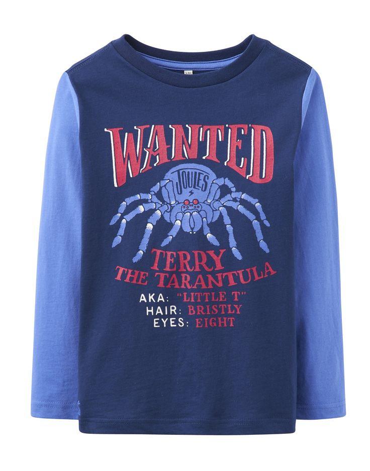 Tom Joule : Un beau haut en coton exceptionnellement doux. Il dispose d'une araignée bleue sur le devant et le logo de Joules brodé sur le dos. Les garçons aimeront porter ce haut ludique. N'ayez pas peur Mesdames, elle est inoffensive ! Spiders