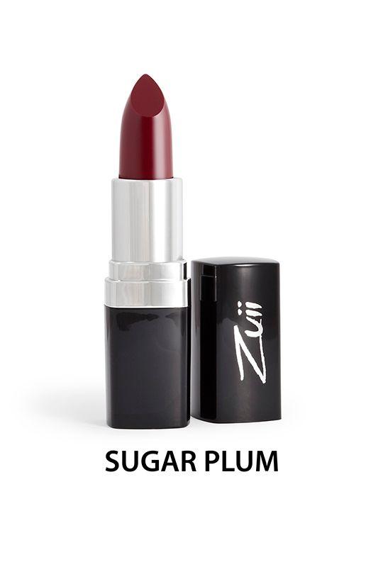 Zuii Organic - Naturalna szminka do ust - Sugar Plum [Śliwkowa]. Bogata w surowce pochodzące z certyfikowanych upraw organicznych, takich jak oleje z jojoby, słonecznika i aloes zawierający witaminy A, E, B1, B2 i B6.  Naturalna pomadka do ust Zuii Organic chroni i nawilża delikatną skórę ust.