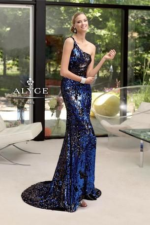 Prom Dresses for a Starry Night