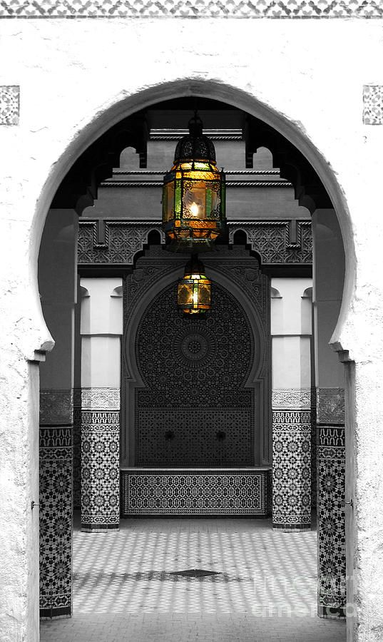 Moroccan Style Doorway Lamps Courtyard And Fountain Color Splash