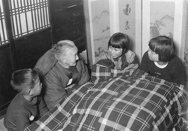 【時事 current events】 冬はこたつで家族団らん   ナショナルジオグラフィック日本版サイト