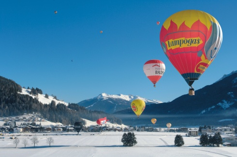 Go to the Alta Pusteria from 5-13 January to see the Dolomites Balloon Festival!Dozens of hot-air balloons will transform the valley into a colourful fairytale landscape!