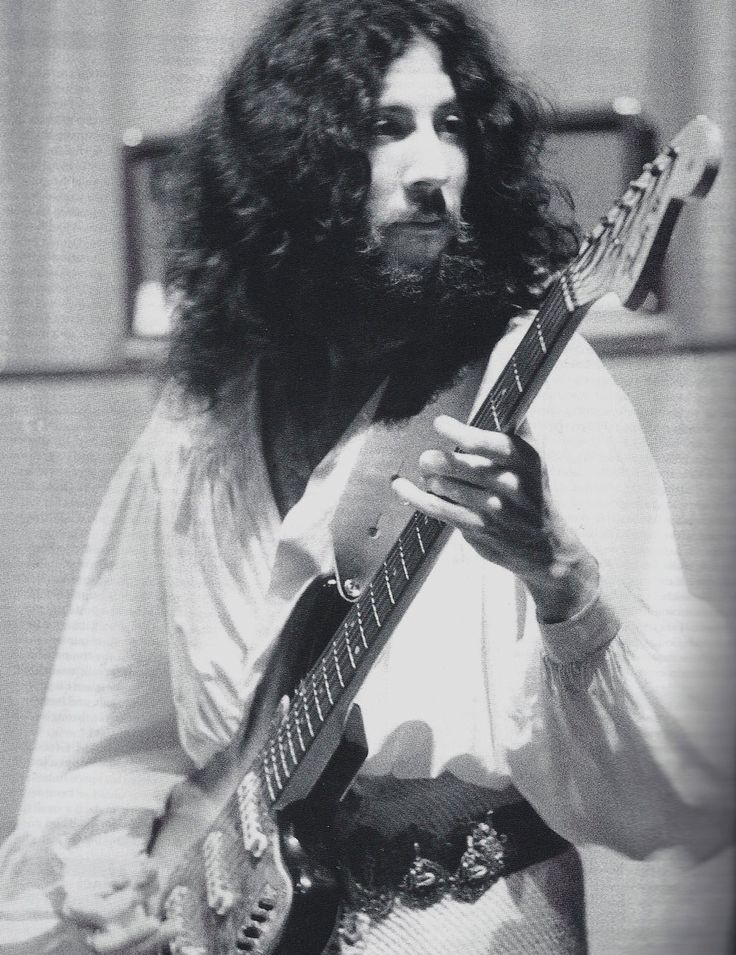 Peter Green #Fleetwood Mac Only few guitar players have his feeling and his smooth touch on the strings !