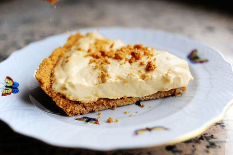 Pumpkin Cream Pie via The Pioneer Woman