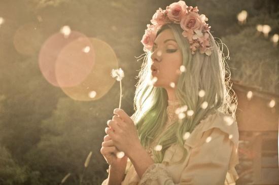 MariMoon faz ensaio fotográfico especial para o Dia dos Namorados