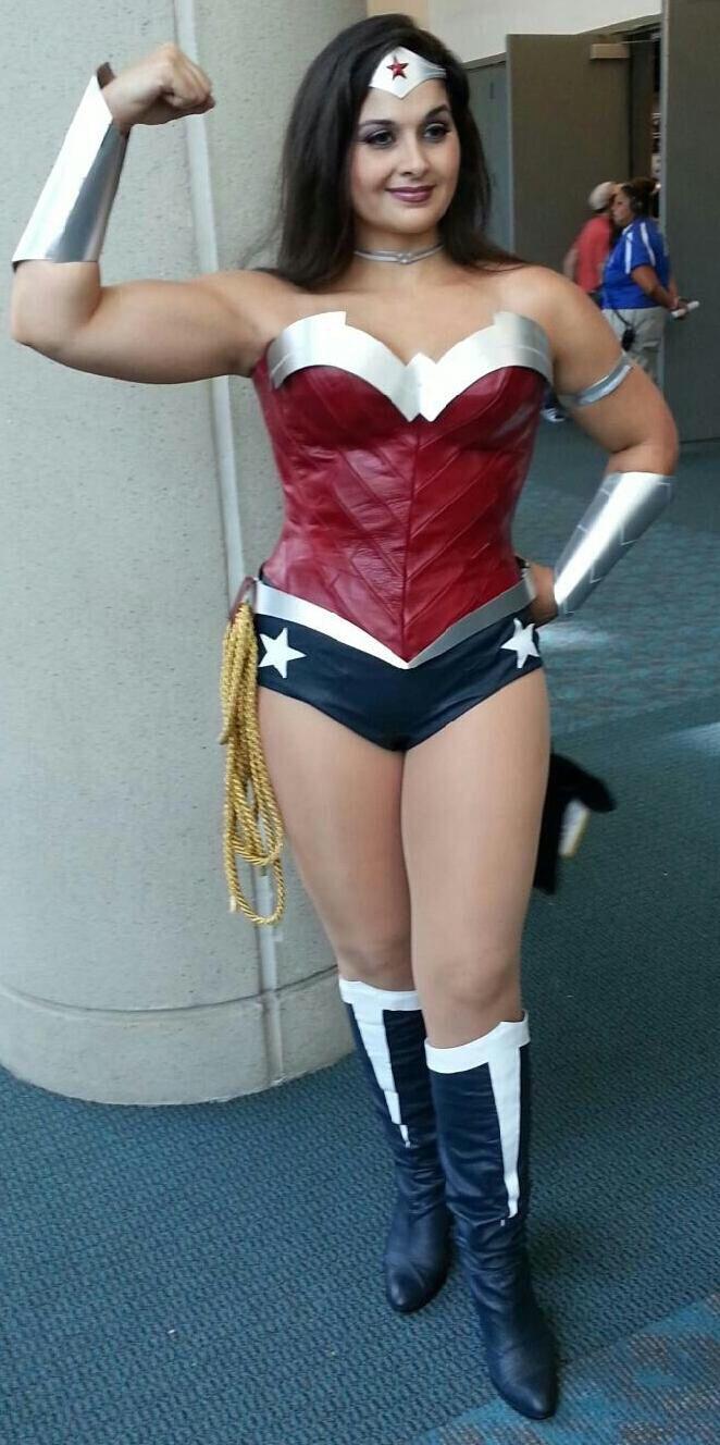Wonder woman actress in batman vs superman-6807