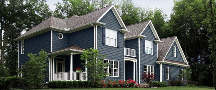 Best Pacific Blue Siding Love This Color With White Trim 640 x 480