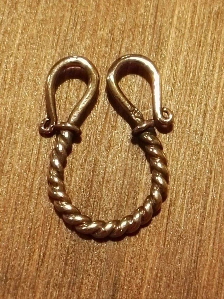 Bronze mellemled til halskæde, s-lås.  28 x 24mm  50 kr