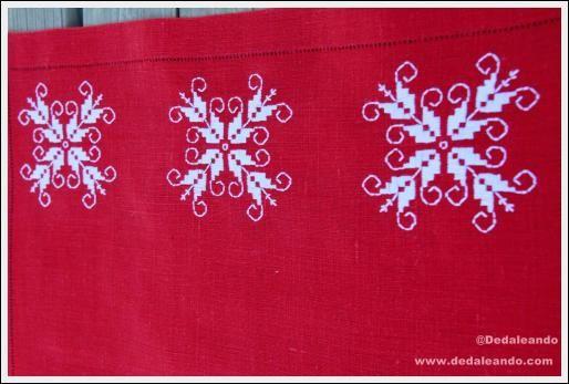 """Mantel bordado individual de navidad. Mod. """"Copo de nieve""""   Dedaleando"""