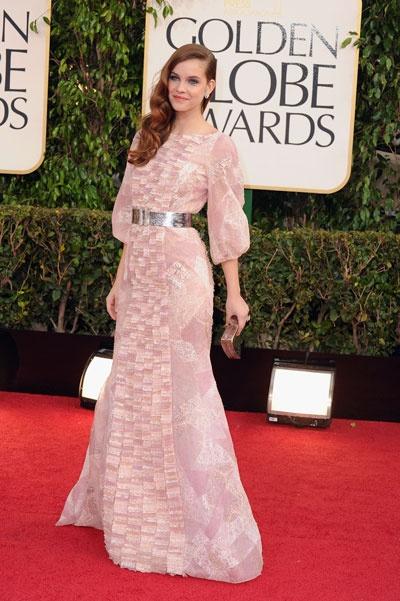 Anne Hathaway y Barbara Palvin de Chanel en los Globos de Oro 2013: vestidos, joyas y maquillaje