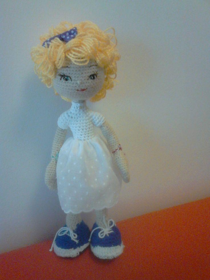 Amigurumi doll. Muñeca de ganchillo en construccion