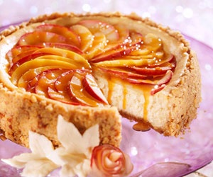 Toffee Apple Cheesecake | #christmas #xmas #holiday #food #desserts
